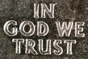 We vertrouwen i.i.g. op God.